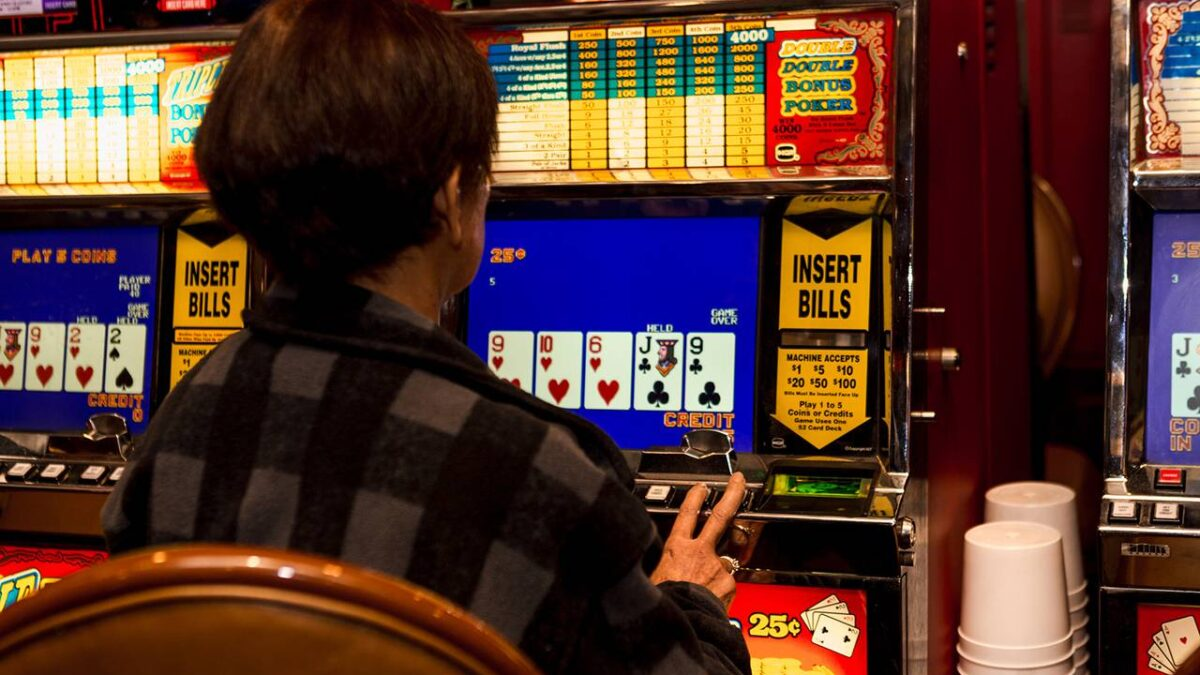 Picking The Right Online Slot Machine To Play